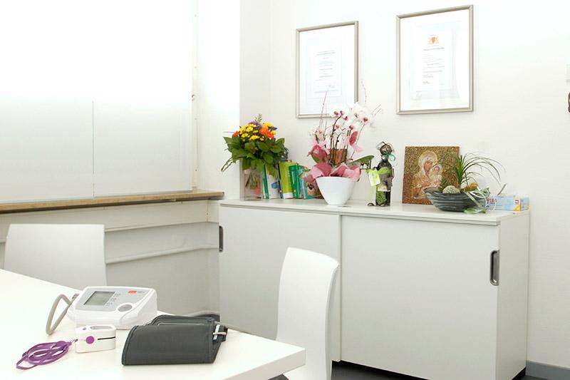 Behandlungszimmer Allgemeinarztpraxis Pantazi